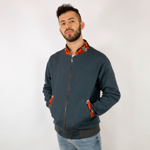 Casual bomber jacket made of 100% cotton and lined with fluffy organic Jersey. Also available as reversible jacket.